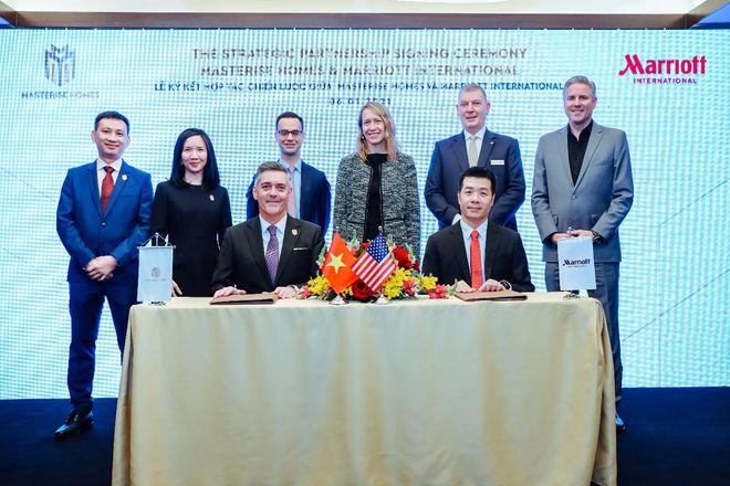 Lễ ký kết hợp tác giữa Masterise Homes và Marriott International