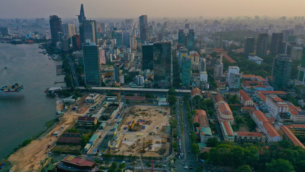 Ga Ba Son nhìn từ trên cao - Nằm trong nội khu căn hộ hạng sang Grand Marina Sài Gòn