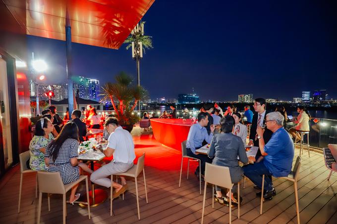 Khu nhà mẫu Grand Marina Gallery đón hàng trăm lượt khách đến trải nghiệm